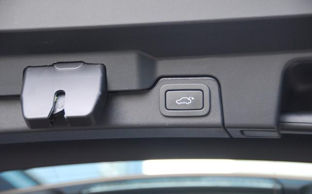 Víko zavazadlového prostoru můžete za příplatek ovládat tlačítkem.