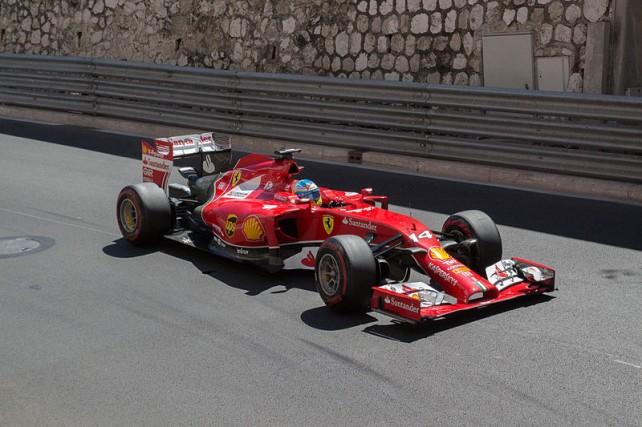 Fernando Alonso ve Ferrari