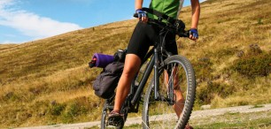 Balíme cyklistické brašny na dlouhé cesty