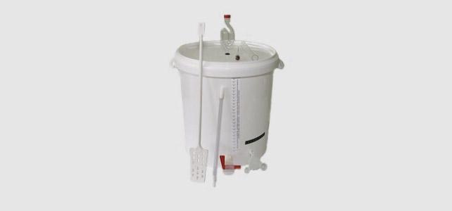 Takovýto mikropivovar je úplný základ pro přípravu domácího piva